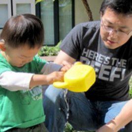 dad-son-gardening