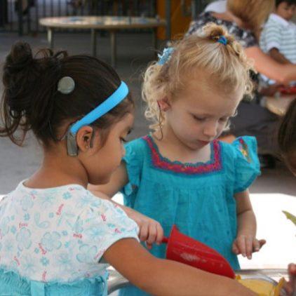 kids-playing-bucket